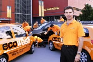 La empresa de limpieza de coches sin agua ecowash anuncia for Limpieza de coches barcelona