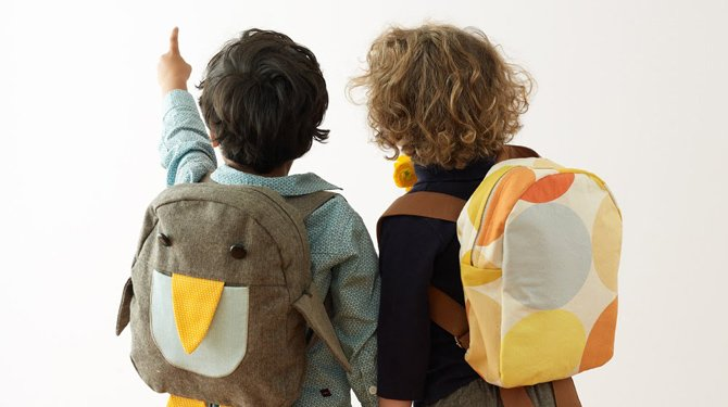 consecuencias sobrecargar mochilas de los niños